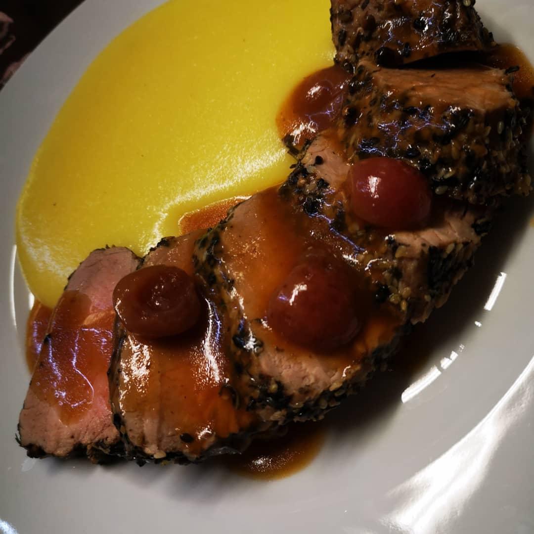 Filetto maiale con salsa ciliege